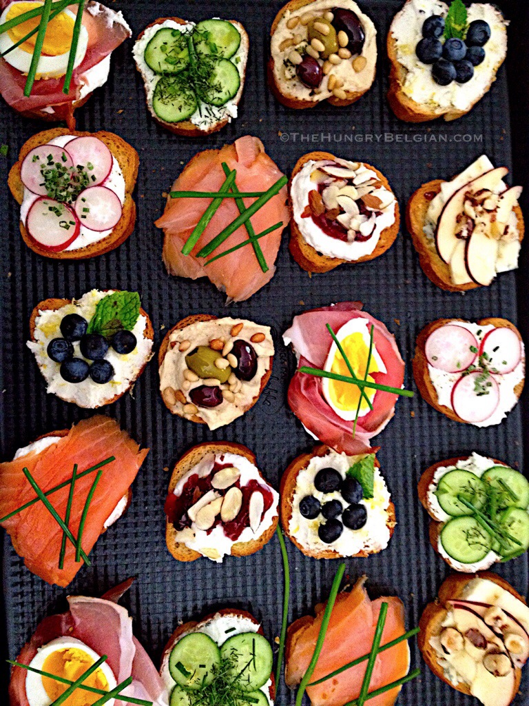 Crostini an elegant affair the hungry belgian for Canape toppings ideas